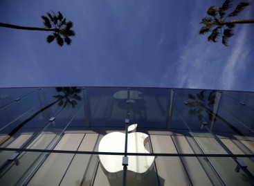 U.S. Succeeds in Cracking Apple's iPhone, Drops Legal Action