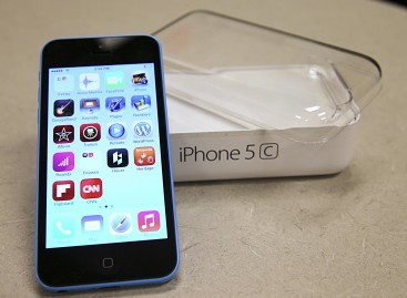 After iPhone unlocking, Americans should still expect privacy: White House