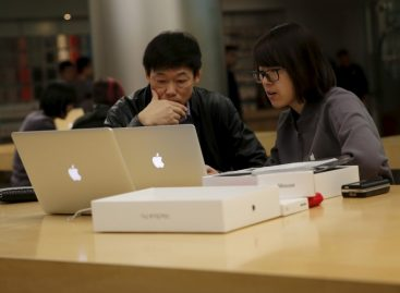 Apple's Book, Film Services Go Dark in China