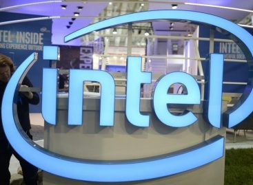 Intel to Cut Up to 12,000 Jobs as PC Industry Swoons