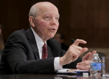 U.S. Lawmaker Calls on IRS Chief to Resign Over Handling of Hacked Data