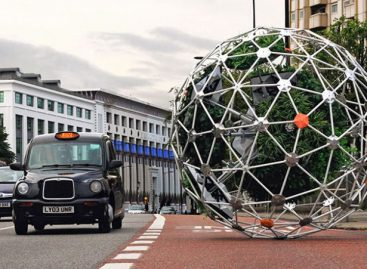 This Autonomous Garden Would Roll Its Way to the Perfect Plot