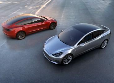 Tesla Unveils $35,000-Model 3 with Range of 215 Miles