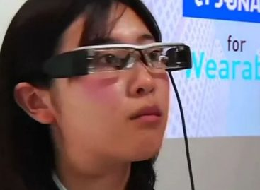 Tourist Experience Upgraded with Navigation Glasses