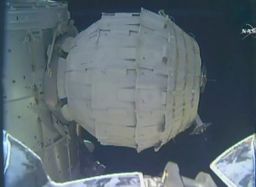 NASA Finally Inflates Its New Space House After Botched Attempt