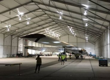 Solar Impulse 2 Plane Lands in Dayton