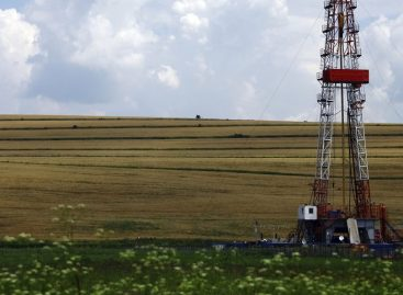 What Happens to Hydraulic Fracturing Wastewater on Cropland