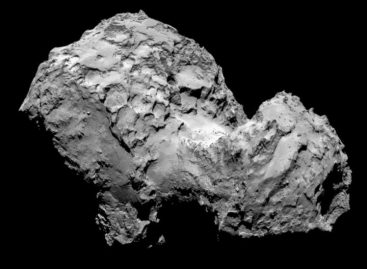 Europe's Comet Orbiter Back After 'Dramatic' Silence