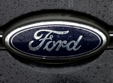 Ford Boosts Spending, Doubles Staff for Self-Driving Cars