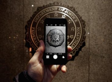 Intelligence Bill Drops FBI Bid to Read Americans' Browser History, Email Records