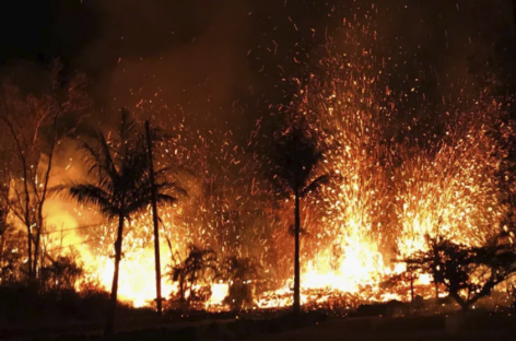 At Least 10 Volcanic Fissures Have Now Opened Up Near Hawaii's Mt. Kilauea, Destroying 21 Homes